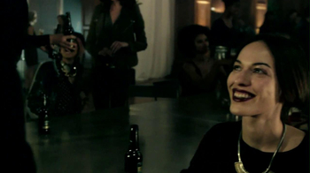 Budweiser Black Crown 2013 Super Bowl TV Spot, 'Party Walk-In' - Thumbnail 5