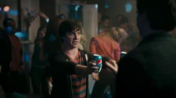 PepsiNEXT 2013 Super Bowl TV Spot, 'House Party' - Thumbnail 3