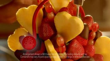 Edible Arrangements Valentine's Day Bouquet TV Spot - Thumbnail 5