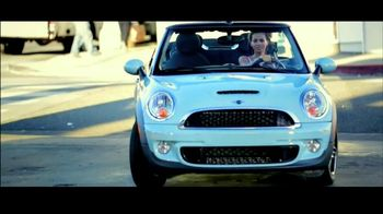 Olay Fresh Effects Va-Va-Vivid Cleansing Brush TV Spot, 'Car Wash'