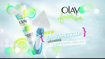 Olay Fresh Effects Va-Va-Vivid Cleansing Brush TV Spot, 'Car Wash' - Thumbnail 5