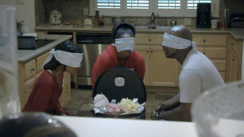 Febreze Stick & Refresh TV Spot, 'Overflowing Garbage' - Thumbnail 5
