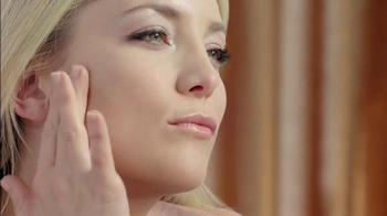 Almay Smart Shade Makeup TV Spot, 'M is for Magic' Featuring Kate Hudson - Thumbnail 5