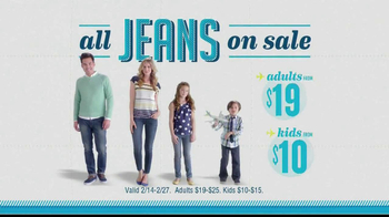 Old Navy TV Spot, 'Airplane Jean Sale' Featuring Julie Hagerty - Thumbnail 10