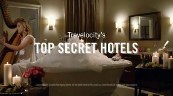 Travelocity TV Spot, 'Swimming with the Piranhas' - Thumbnail 4
