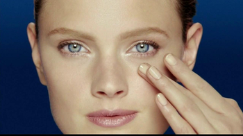 Estee Lauder Advanced Night Repair TV Spot, 'Beautiful Eyes'