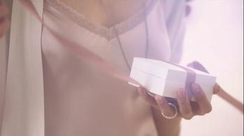 Pandora Valentine's Day Bracelet TV Spot,  Song by April McLean - Thumbnail 3