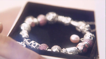 Pandora Valentine's Day Bracelet TV Spot,  Song by April McLean - Thumbnail 4