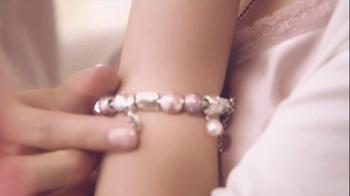 Pandora Valentine's Day Bracelet TV Spot,  Song by April McLean - Thumbnail 6