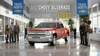 Chevrolet Silverado TV Spot 'Comparing'  - Thumbnail 9