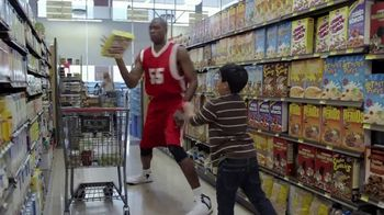 GEICO TV Spot, 'Happier Than Dikembe Mutombo' - Thumbnail 4