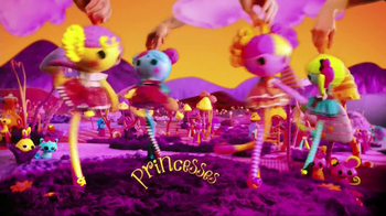 Lalaloopsy Lala-Oopsies Princesses TV Spot, 'Magical Place' - Thumbnail 7