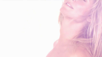 Heidi Klum Surprise TV Spot, Song by Ian Love - Thumbnail 4