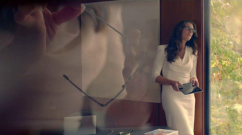 Foster Grant TV Spot Featuring Brooke Shields - Thumbnail 8