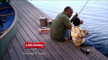 Little Debbie TV Spot, 'Bonding Snack's - Thumbnail 10
