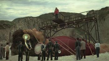 Acura RDX TV Spot, 'Beachside Giant' - Thumbnail 2