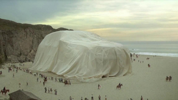 Acura RDX TV Spot, 'Beachside Giant' - Thumbnail 6