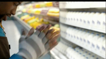 Tropicana Farmstand TV Spot, 'Grocery Store Dance' Song by Passion Pit - Thumbnail 4