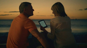 Amazon Kindle TV Spot, 'Beaches' Song by Jens Lekman - Thumbnail 10