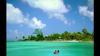 Cayman Islands Department of Tourism TV Spot, 'Warmth' - Thumbnail 7