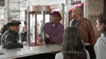 Capital One TV Spot, 'Checking In' Feat. Samuel L. Jackson, Charles Barkley - Thumbnail 6
