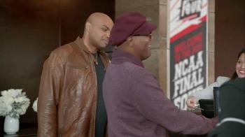 Capital One TV Spot, 'Checking In' Feat. Samuel L. Jackson, Charles Barkley - Thumbnail 8