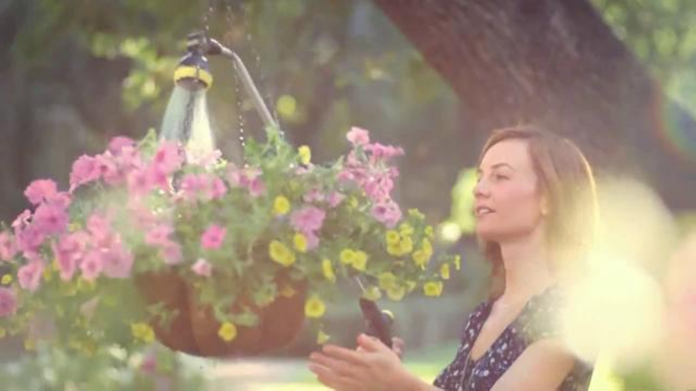 Miracle-Gro LiquaFeed TV Commercial, 'Success Starts With the Right Connections'