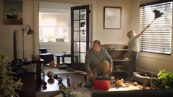 Clorox Triple Action Dust Wipes TV Spot, 'Hair' - Thumbnail 3
