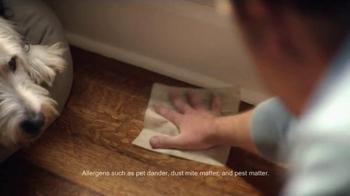 Clorox Triple Action Dust Wipes TV Spot, 'Hair' - Thumbnail 6