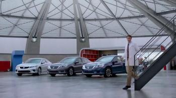 Honda Dream Garage Sales Event: 2015 Honda Accord LX TV Spot, 'Trimmers' - Thumbnail 2