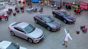 Honda Dream Garage Sales Event: 2015 Honda Accord LX TV Spot, 'Trimmers' - Thumbnail 5