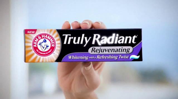 Arm and Hammer Truly Radiant TV Spot, 'Rejuvenating' Feat. Alison Sweeney - Thumbnail 4