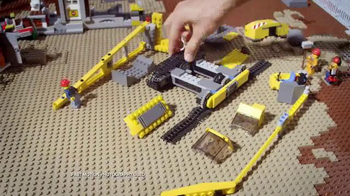 LEGO City Demolition Experts Collection TV Spot, 'Blast the Old Building' - Thumbnail 6