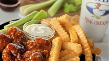 Zaxby's Spicy Honey BBQ Boneless Wings Meal TV Spot, 'Hey' Ft. Si Robertson - Thumbnail 9