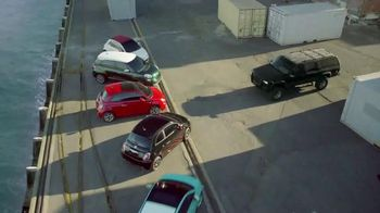 2014 FIAT 500L TV Spot, 'Big Italian Family'