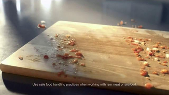 Clorox Pump 'N Clean TV Spot, 'Cooking and Cleaning' - Thumbnail 5