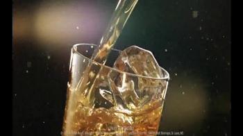 Bud Light MIXXTAIL TV Spot, 'Bring the Bar' Song by New Politics - Thumbnail 7
