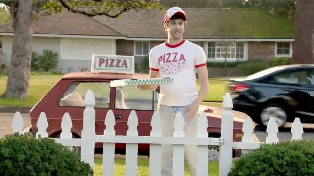 TruGreen TV Commercial, 'The Yardleys: Pizza'