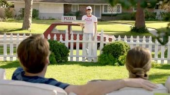 TruGreen TV Spot, 'The Yardleys: Pizza' - Thumbnail 4
