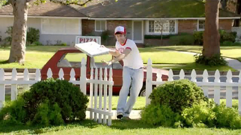 TruGreen TV Spot, 'The Yardleys: Pizza' - Thumbnail 5