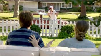 TruGreen TV Spot, 'The Yardleys: Pizza' - Thumbnail 6