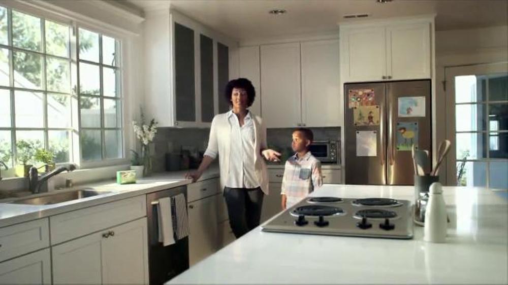 Clorox Scrub Singles TV Commercial, 'Big Meal, Big Mess'
