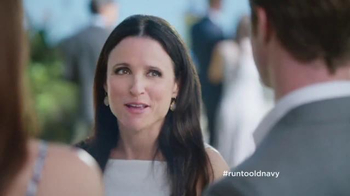 Old Navy TV Spot, 'Best Dressed Guest' Featuring Julia Louis-Dreyfus - Thumbnail 8