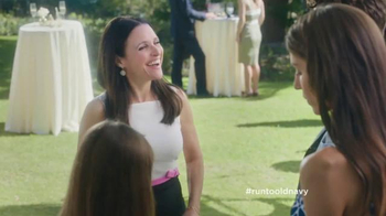 Old Navy TV Spot, 'Best Dressed Guest' Featuring Julia Louis-Dreyfus - Thumbnail 3