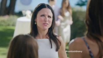 Old Navy TV Spot, 'Best Dressed Guest' Featuring Julia Louis-Dreyfus - Thumbnail 5