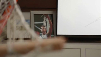 AT&T TV Spot, 'March Madness Legends: Strong Team' - Thumbnail 7
