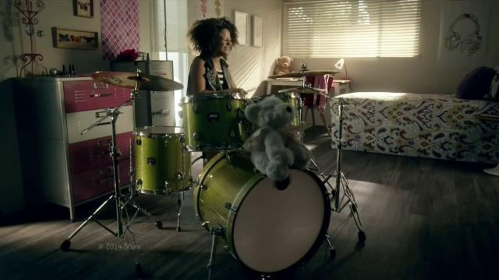 Shaw Flooring TV Commercial, 'Awesome Loud Drummer Girl'