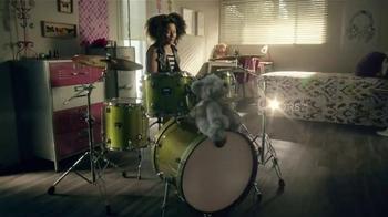 Shaw Flooring TV Spot, 'Awesome Loud Drummer Girl' - Thumbnail 7