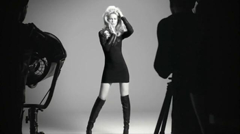 Styliste Ultime TV Spot, 'Iconic Style' Featuring Claudia Schiffer - Thumbnail 6