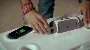 JBL Charge TV Spot, 'Phone Charger' Song by Charli XCX - Thumbnail 8